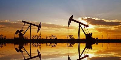 مخاوف زيادة الإمدادات تدفع أسعار النفط للتراجع