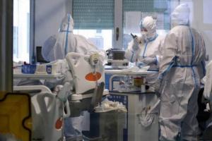اليونان تسجل 2353 إصابة جديدة بفيروس كورونا