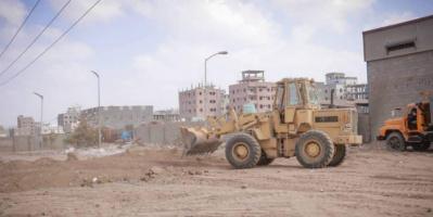 تواصل إزالة العوائق من شوارع دارسعد
