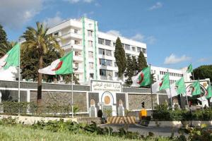 الدفاع الجزائرية: فككنا شبكة إرهابية من 3 عناصر في جبال تيبازة
