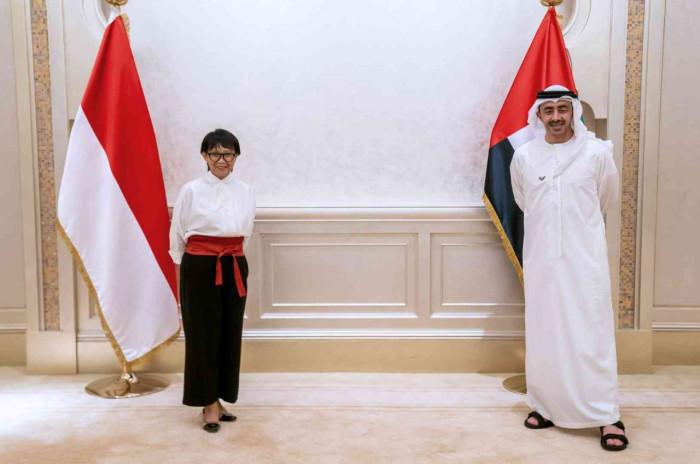 الإمارات وإندونيسيا توقعان اتفاقًا لدعم التعاون المشترك