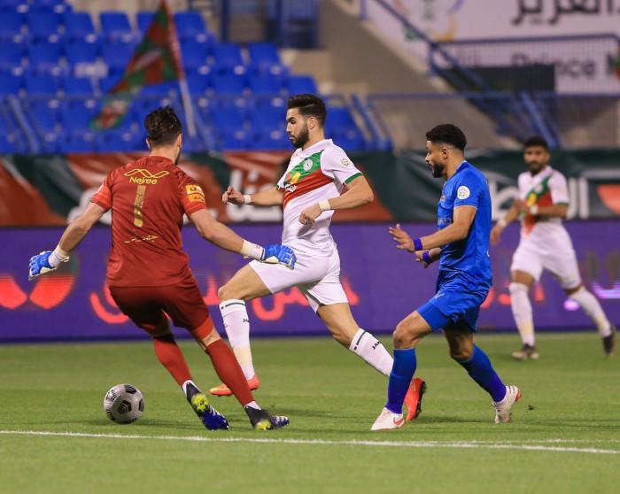 أزارو يسجل هدفا رائعا في تعادل الاتفاق أمام النصر بالدوري السعودي