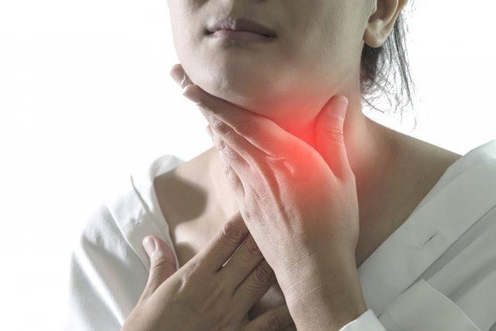 دراسة تحذر.. الإصابة بكورونا يمكن أن تسبب تورم الغدد اللعابية