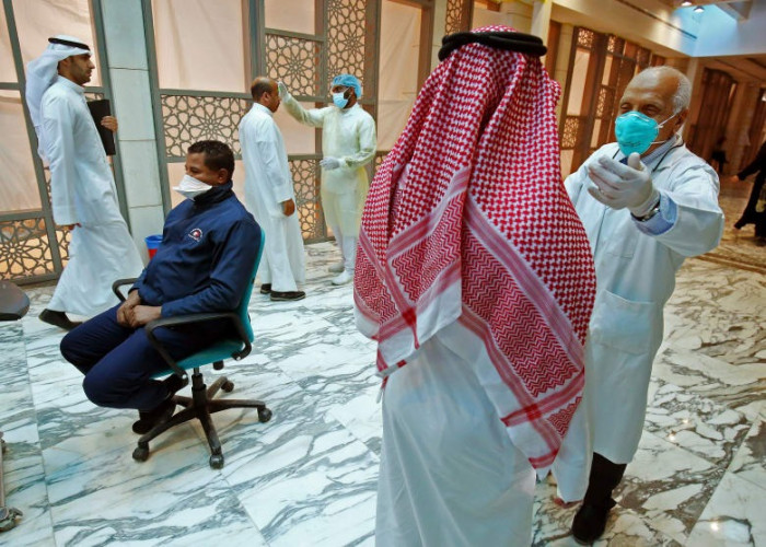 الكويت تُسجل 8 وفيات و1613 إصابة جديدة بكورونا
