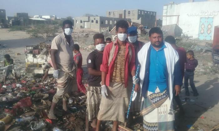 عمال النظافة في أحور يطالبون بزيادة الأجور