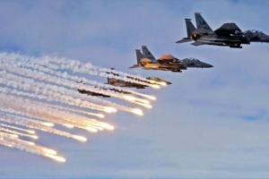 """أيام الحوثي الصعبة.. التحالف يجهز """"الضربة الكبيرة"""" للمليشيات"""