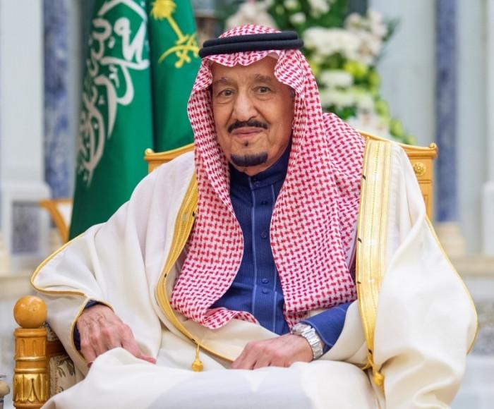 الملك سلمان يعفي وزير الحج والعمرة من منصبه ويكلف بن سعيد