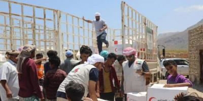 إنسانية الإمارات تنتشل سقطرى من مستنقع الإخوان (ملف)
