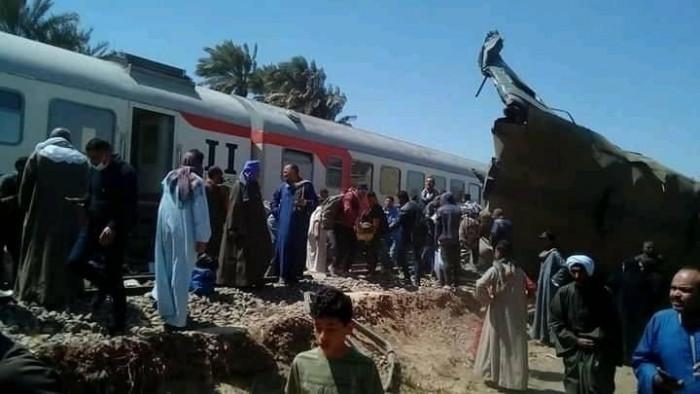 ارتفاع حصيلة إصابات حادث قطاري سوهاج إلى 165 والقتلى 32