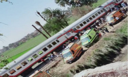 فيديو يرصد اللحظات المروعة لاصطدام قطاري الصعيد في مصر (شاهد)