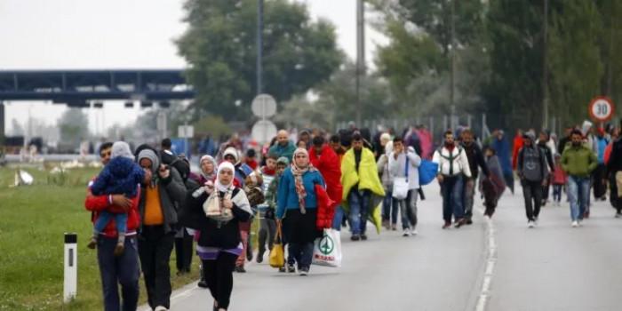 مسلحون يمنعون مغادرة المواطنين السوريين عبر الممرات الإنسانية