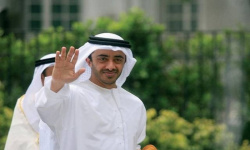 الشيخ عبد الله بن زايد يستقبل وزير الخارجية البريطاني لشؤون الشرق الأوسط بأبوظبي