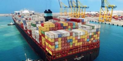 مصر تُعلن إنقاذ سفينة حاويات تعرضت لعطل مفاجئ بدمياط