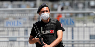 تركيا تعتقل 10 مهاجرين أفغان شرقي البلاد