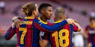 رونالدو يوجه رسالة دعم لنجم برشلونة