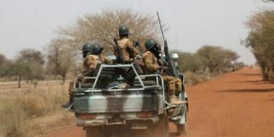 مقتل 14 شخصًا في هجوم على قاعدة عسكرية بالنيجر