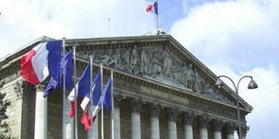 الدفاع الفرنسية تقرر فتح 7 مراكز تطعيم للمواطنين