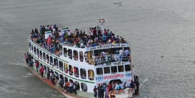 مقتل شخصان بغرق عبارة في بنغلادش