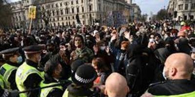 الشرطة البريطانية تعتقل 107 متظاهرين