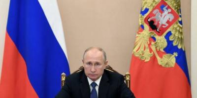 بوتين يوقع على قانون يسمح له بالترشح لفترتين رئاسيتين إضافيتين