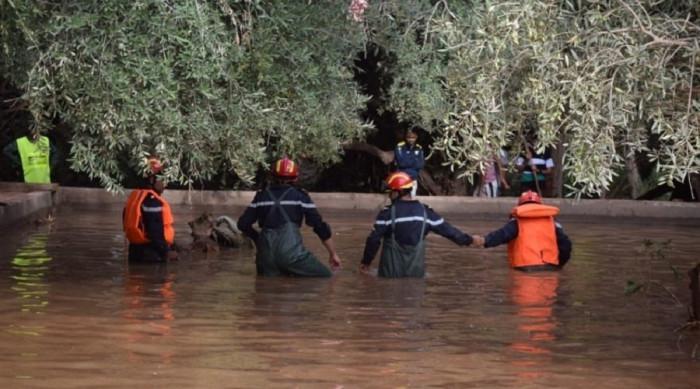 مصرع 127 وفقدان 72 في فيضانات بإندونيسيا