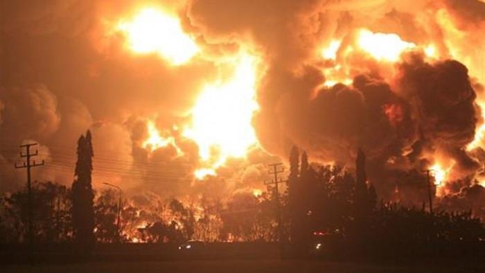 6 انفجارات تضرب مصفاة نفط بالمكسيك