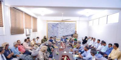 محافظ عدن: نواجه أزمة خدمات مفتعلة وقادرون على تجاوزها