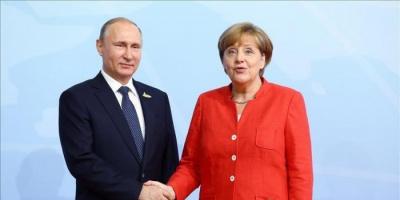 بوتين وميركل يتباحثان بشأن التصعيد جنوب شرق أوكرانيا