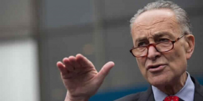 زعيم الديمقراطيين بالكونجرس يتوعد بالقضاء على العنف المسلح