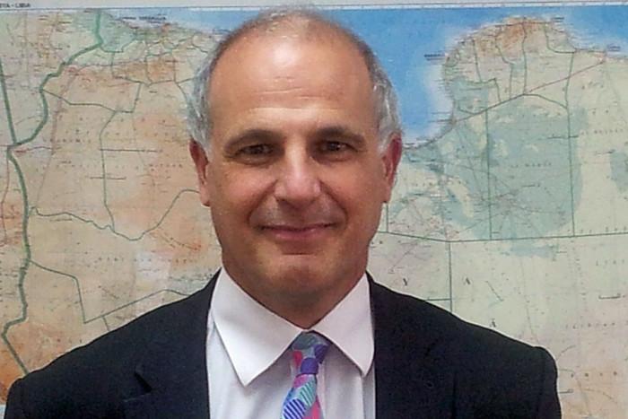 آرون: إيقاف الحرب يقلص نفوذ إيران