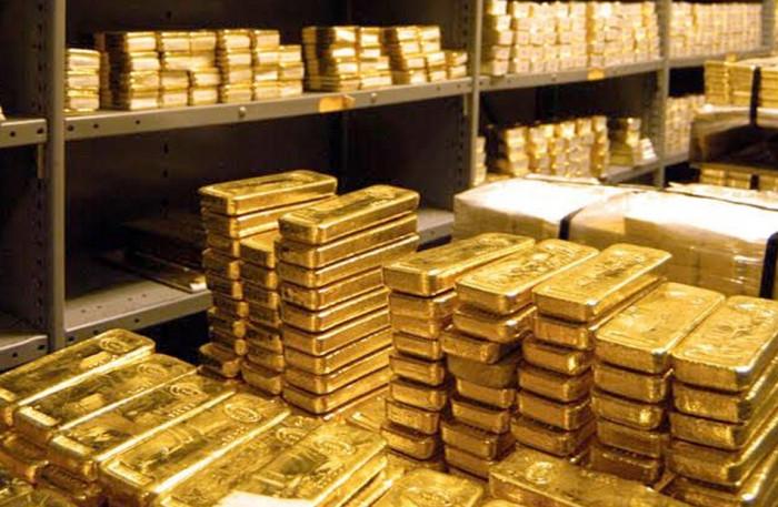 الذهب يواصل نزيف خسائره بفضل بيانات إيجابية عن تعاف الاقتصاد