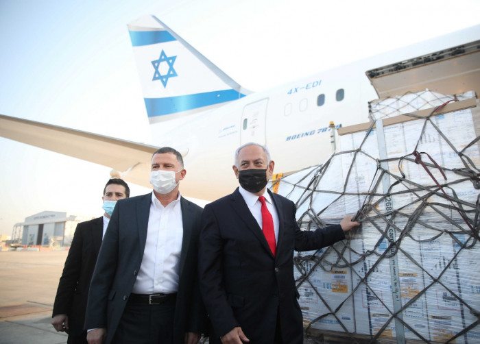 فايزر تهدد إسرائيل بتعليق إمدادات اللقاح لهذا السبب