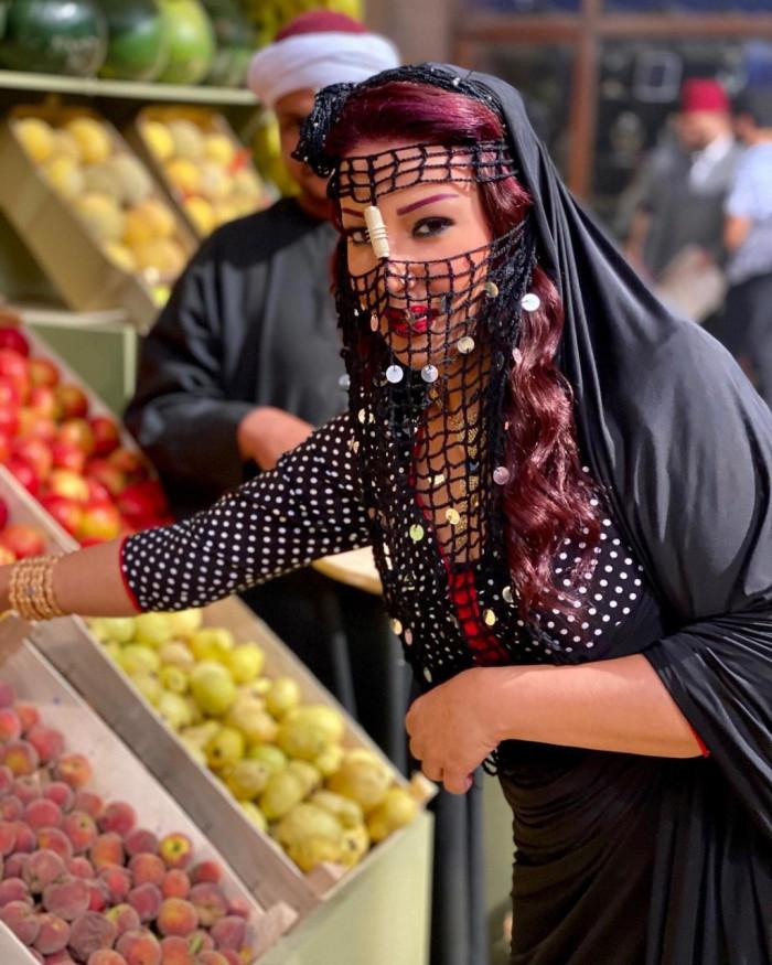 """سمية الخشاب مروجة لـ """"موسى"""" :استنوا حلاوتهم فاكهة رمضان"""