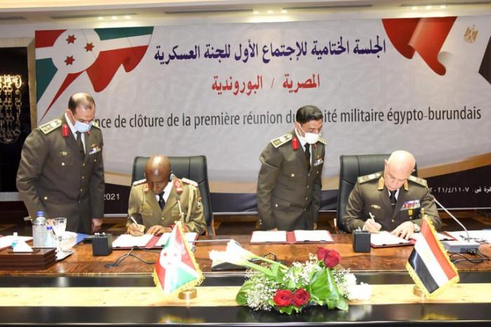 مصر توقع بروتوكولًا عسكريًا مع إحدى دول حوض النيل