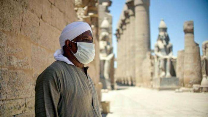 مصر تسجل 812 إصابة جديدة بكورونا