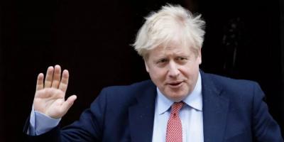 جونسون للشعب البريطاني: تمتعوا بحريتكم واحذروا كورونا