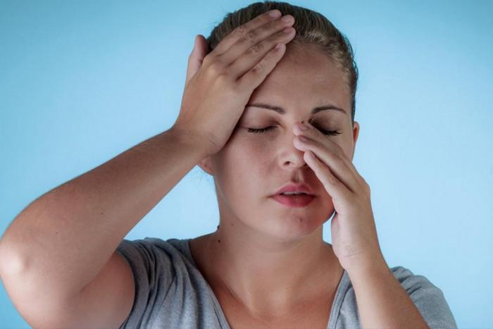 دراسة أمريكية تكشف علاقة انسداد الأنف المزمن بتغيرات أنشطة الدماغ 