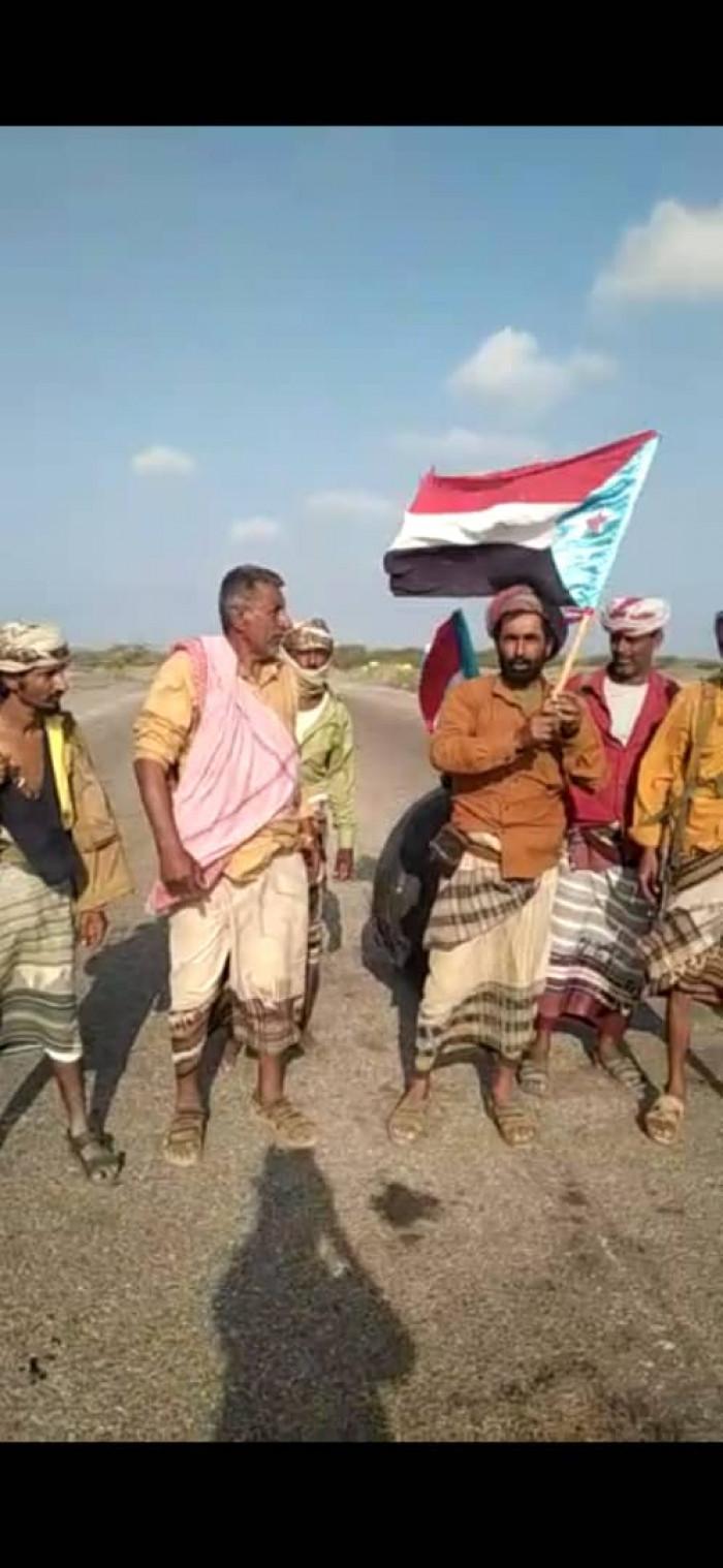 برفع علم الجنوب.. تطهير الخبر من مليشيات الشرعية