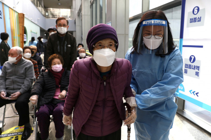 كوريا الجنوبية تسجل 731 إصابة جديدة بكورونا