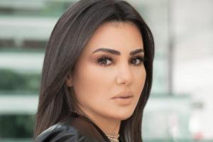"""دينا فؤاد تخطف الأنظار في """"اللي ملوش كبير"""""""