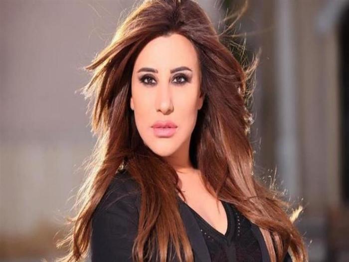 نجوى كرم تنعي المخرج اللبناني مكرم حنوش