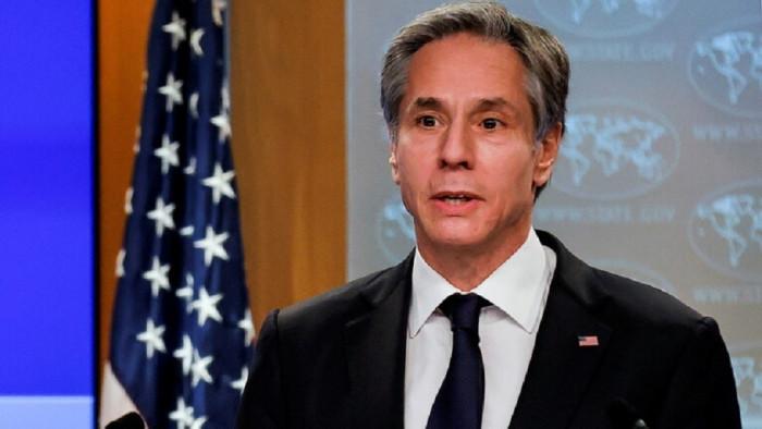 وزير الخارجية الأمريكي يصل أفغانستان لبحث سحب القوات