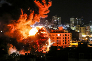 الجيش الإسرائيلي يقصف مواقع لحماس بغزة