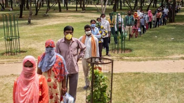 الهند تُسجل 1185 وفاة و217353 إصابة جديدة بكورونا