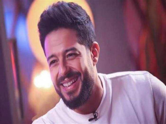 """أغنية """"ده وقته"""" لمحمد حماقي تقترب من ربع مليون مشاهدة"""