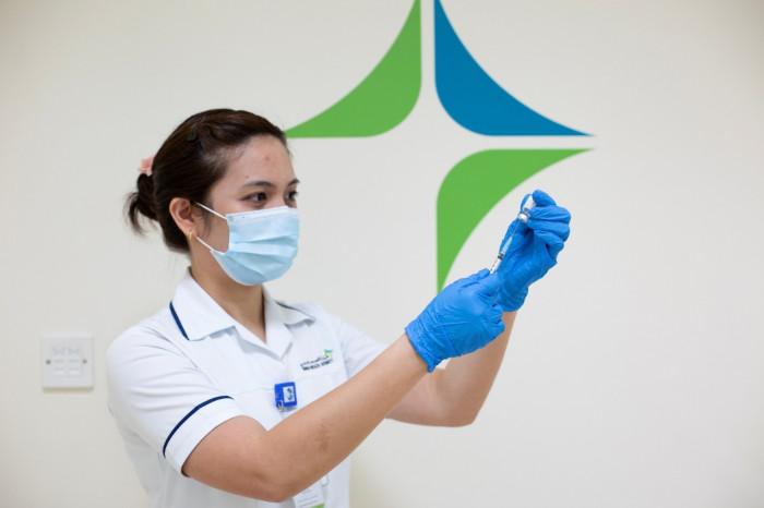 الإمارات تُقدم 102,340 جرعة جديدة من لقاح كورونا