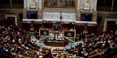 فرنسا.. إقرار قانون لحماية القصّر من العنف الجنسي