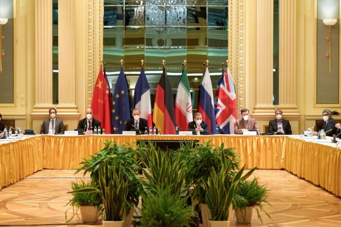 الصين: محادثات فيينا تعمل بشكل جدي على رفع العقوبات عن إيران