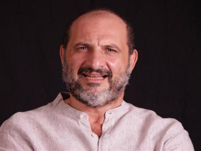 خالد الصاوي ينعي أرملة صديقه الراحل خالد صالح