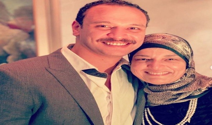 نجوم الفن ينعون والدة أحمد خالد صالح